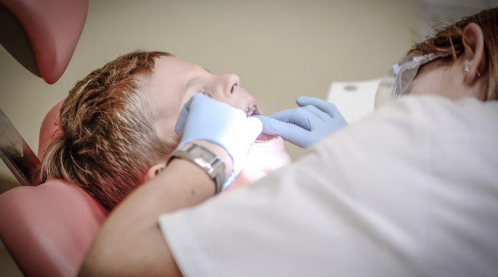 Soigner les infections dentaires : pourquoi faut-il aller chez le dentiste ?