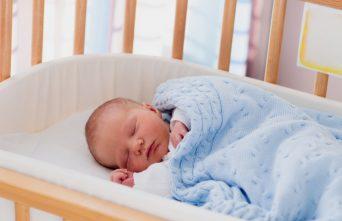 Pourquoi faut-il veiller à la qualité de l'air dans le chambre de bébé?