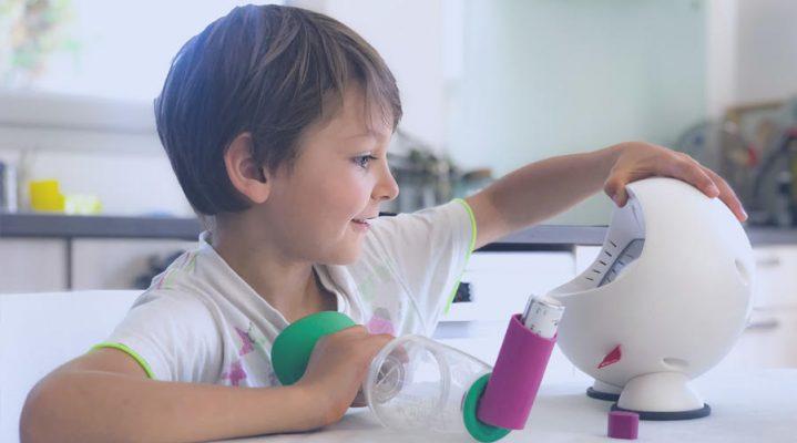 Les robots en aide aux enfants atteints de maladie chronique