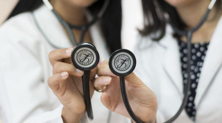 Comment recruter rapidement un personnel soignant ?